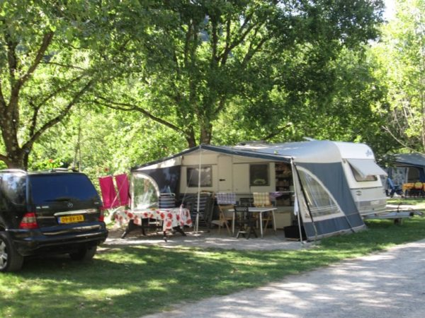 Camping Le Chambron - Emplacements
